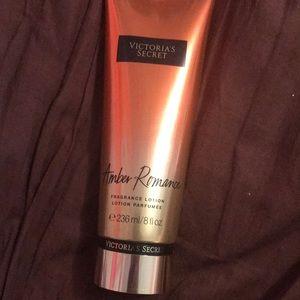 Victoria's Secret Makeup - Victoria's Secret Amber Romance fragrance lotion